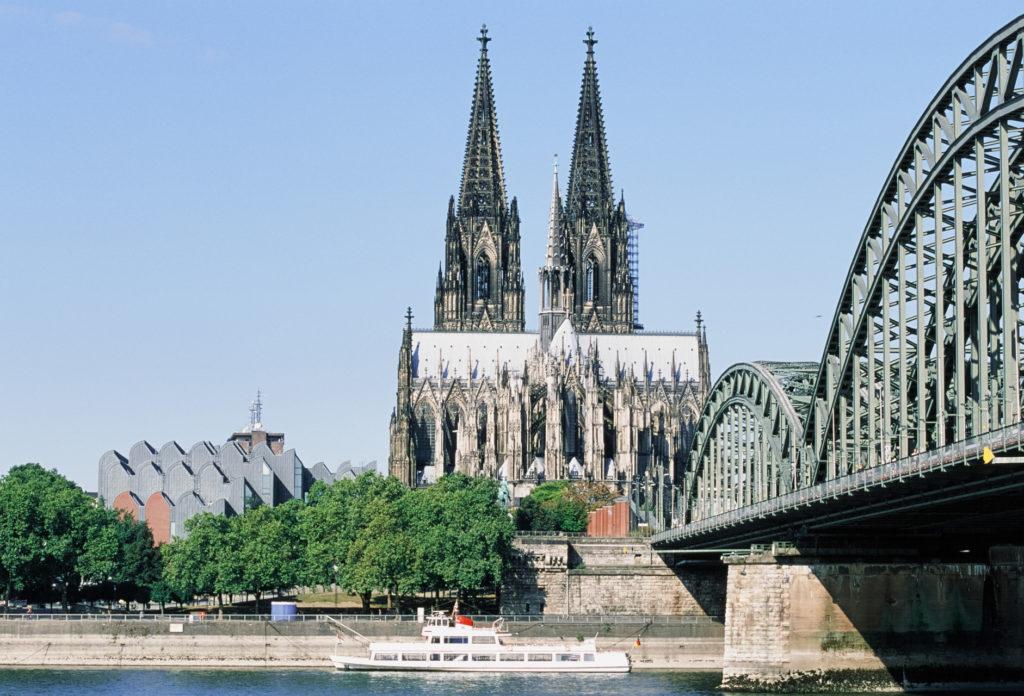 Kölner Altstadt 2016, Testfoto mit Analogkamera von Canon und Diafilm
