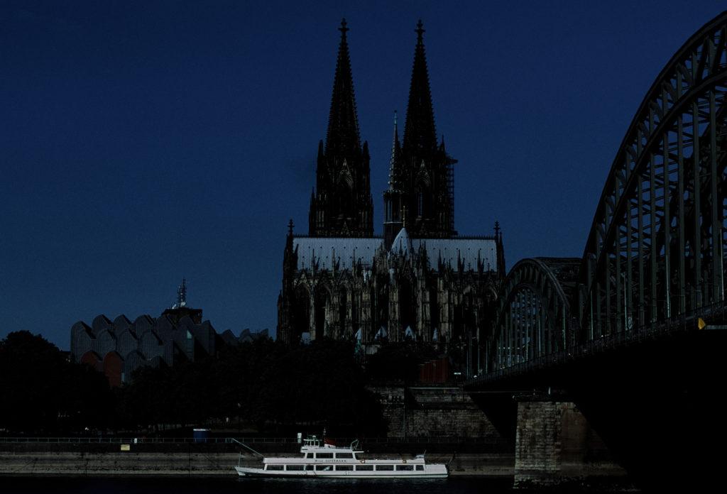 Am Rheinufer aufgenommen. Testfoto Nr. 9 mit Fuji Precisa 100