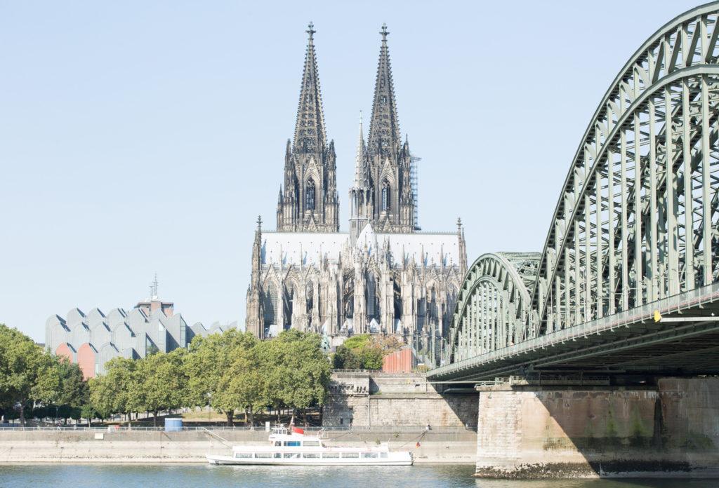 Test Bild, 1 Blende Überbelichtet. Dom in Köln mit Blick von der Schäl Sick
