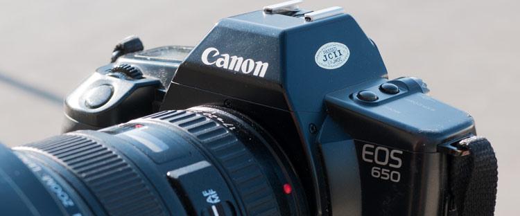Der erste Canon mit EF Anschluss, die EOS 650