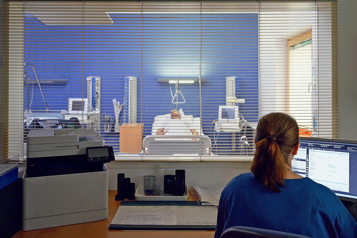 Intensivstation in einem Krankenhaus Fotografie