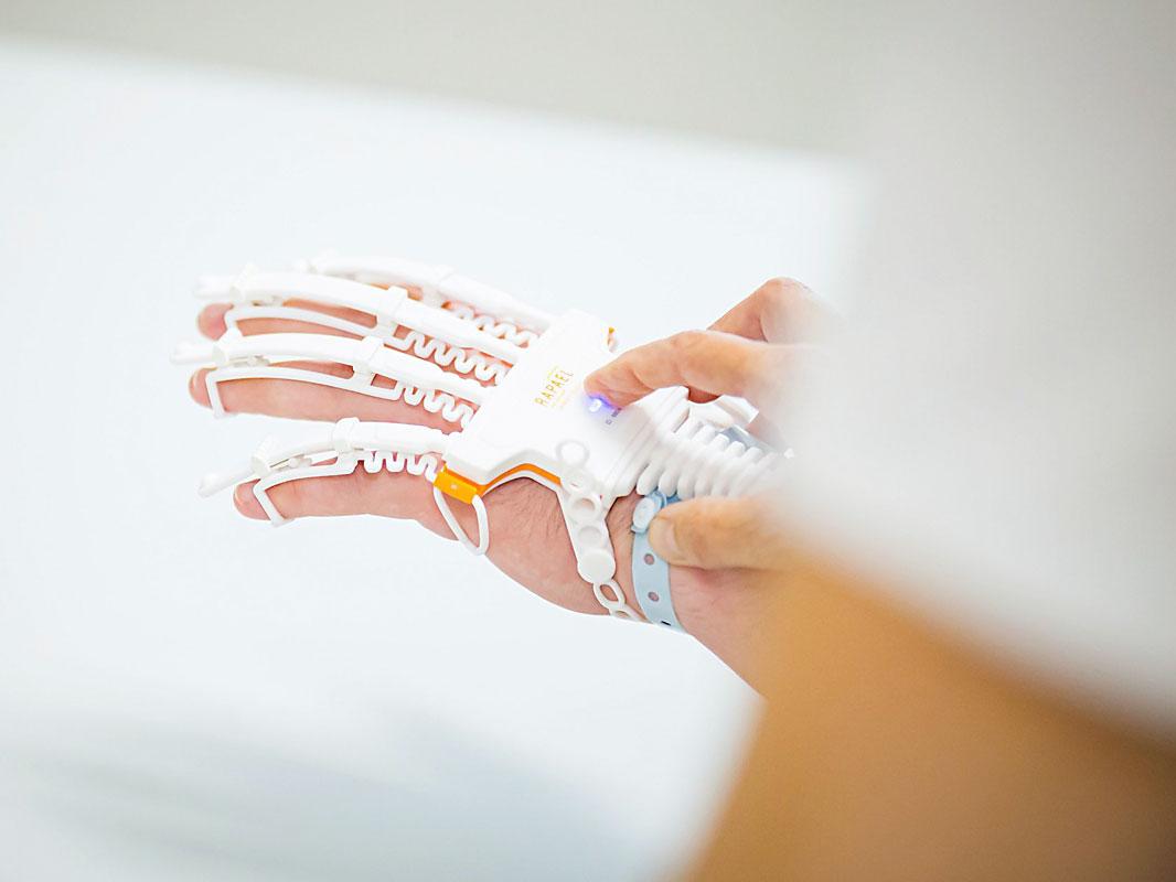Hand bei medizinischer Behandlung