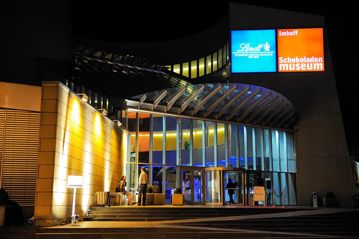 Imhoff Lindt Schokoladenmuseum. Eingangsbereich am Abend. Eventfotografie.
