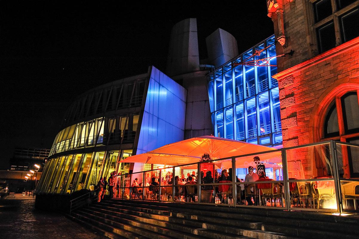 Imhoff Schokoladenmuseum bei Nacht.