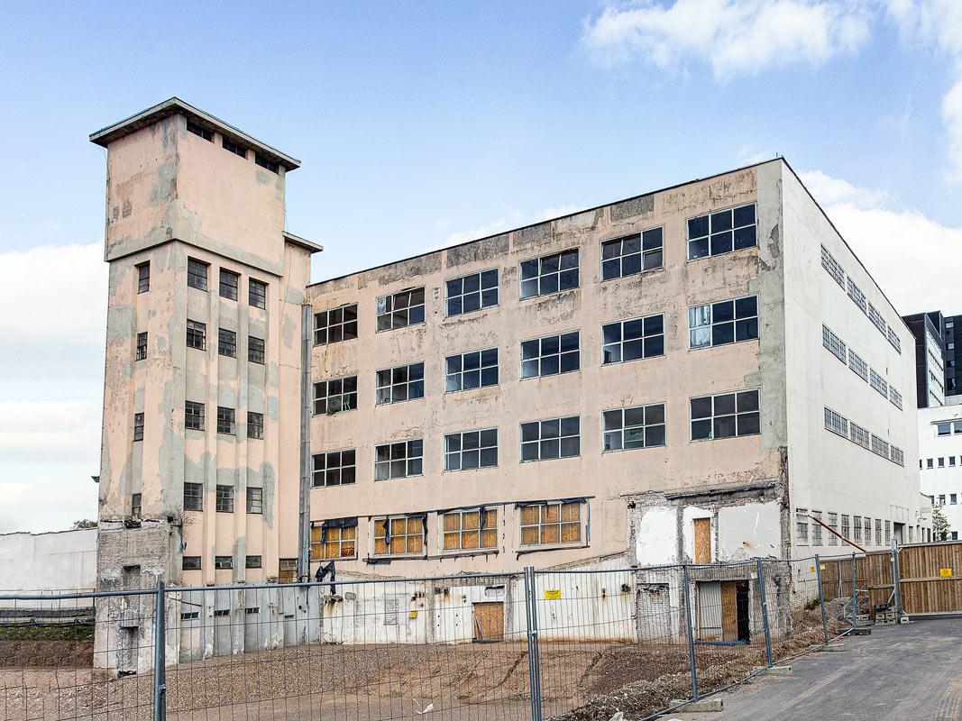 Leerstehendes Industrie Gebäude in Köln