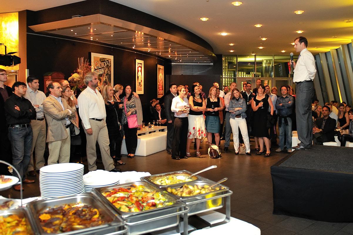 Veranstaltungsfoto der Rede bei der Begrüßung der Gäste. Eventfotografie Köln.