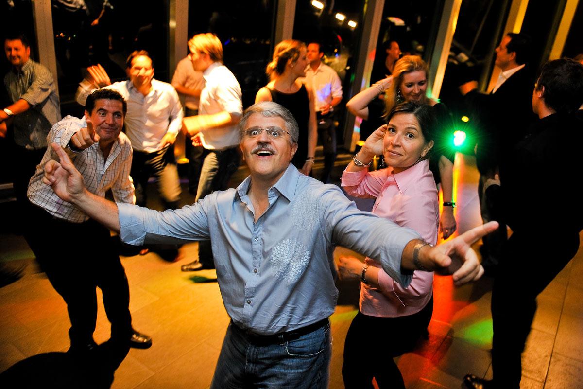 Party, tanzende Menschen bei Event im Schokoladen-Museum, Köln.