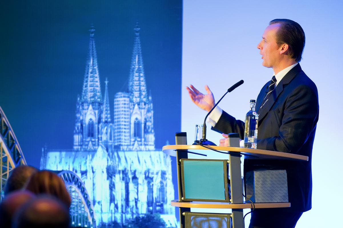 Redner bei Tagung Fotografie von Fotograf in Köln