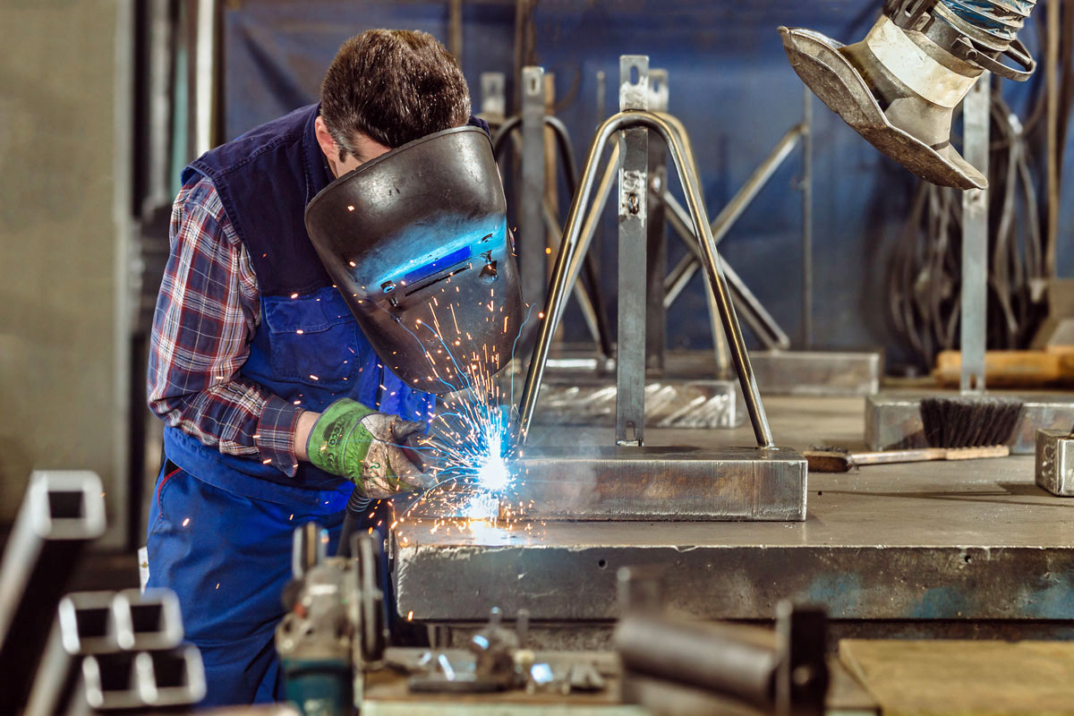 Industriearbeiter im Unternehmen in Gummersbach